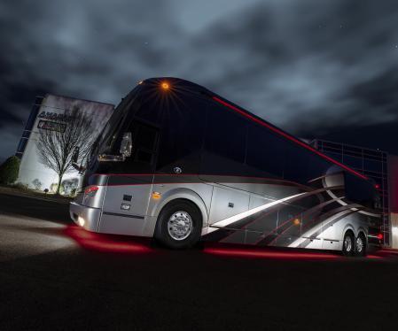 1142864560 Featherlite Coaches