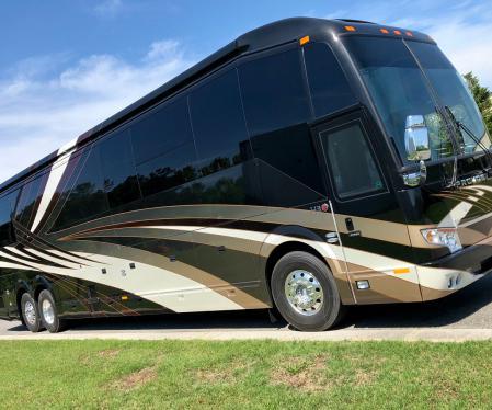 Featherlite Coaches   Luxury Prevost Conversions & Motorhomes
